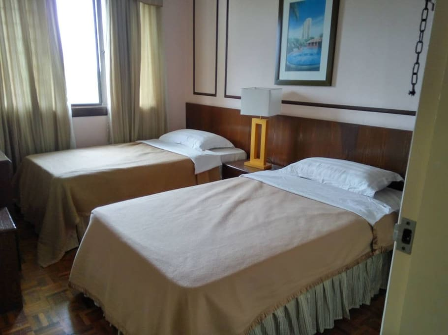 Small room with 2 single beds