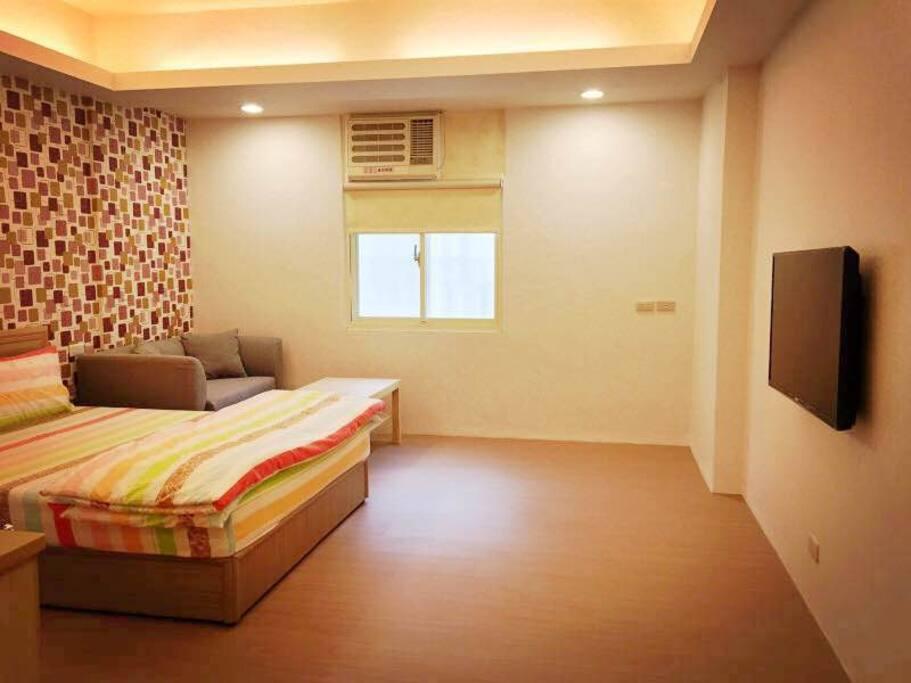 寬敞舒適的明亮空間 Cozy Huge room