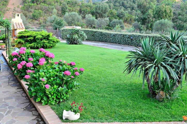 Private apartment in Villa | Near the sea |