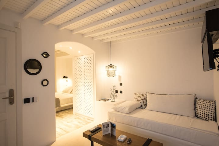 CLOE Suite with Sea View-port & windmills-IN town - Mikonos - Apartamento