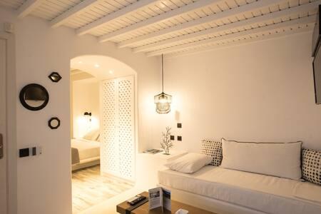 CLOE Suite with Sea View-port & windmills-IN town - Apartamento