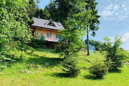 Samotnia, domek w górach.