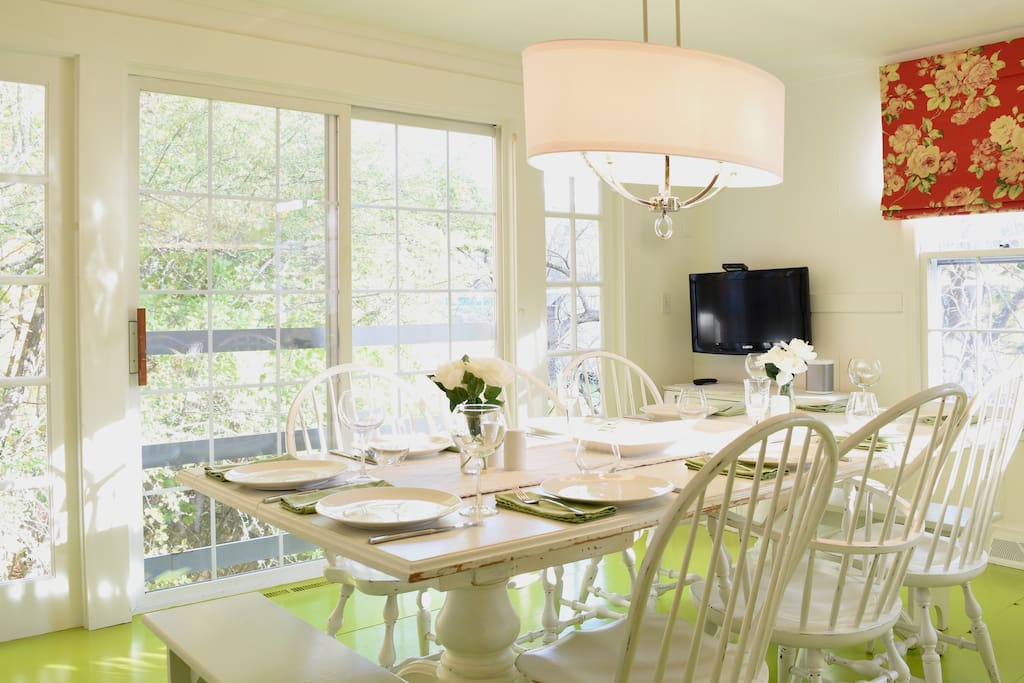 Bright and sunny dining area.