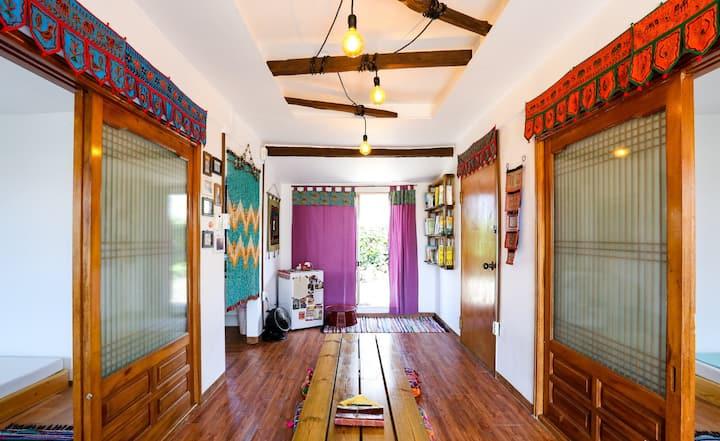 인도향기,평화로운휴식-샨티샨티게스트하우스 여성 도미토리 (Female dormitory)