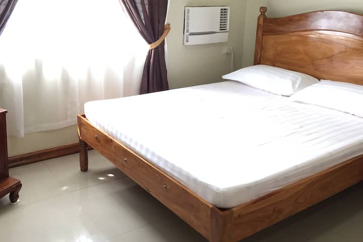 Cozy private room in Caramoan, Camarines Sur Rm 1