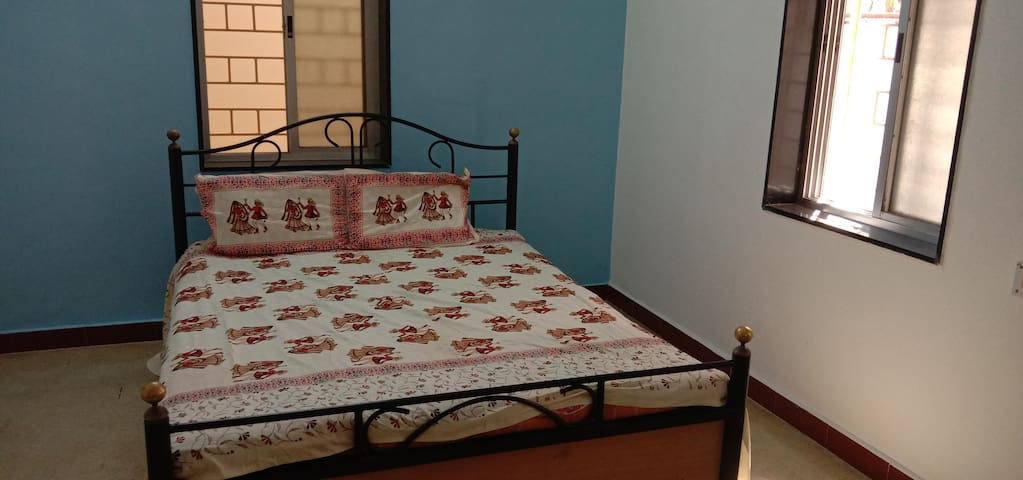 Simple and spacious 2 bedroom house in Karvenagar
