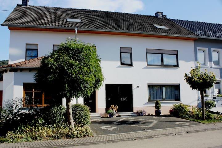Ferienhaus Fisch - Schoden - Huis