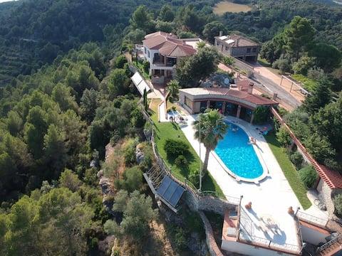 Guest house of Villa Rocamalera & SALTWATER pool