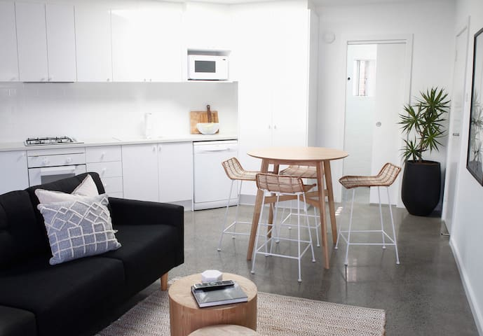 Merewether Beachside Apartment