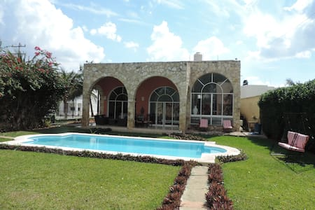 Beautiful house with pool in Sodzil - Mérida - Casa