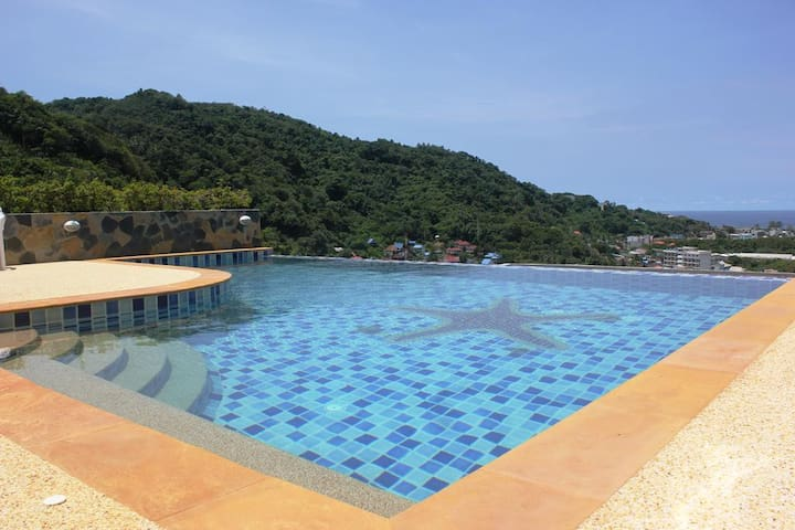 Common infinity pool