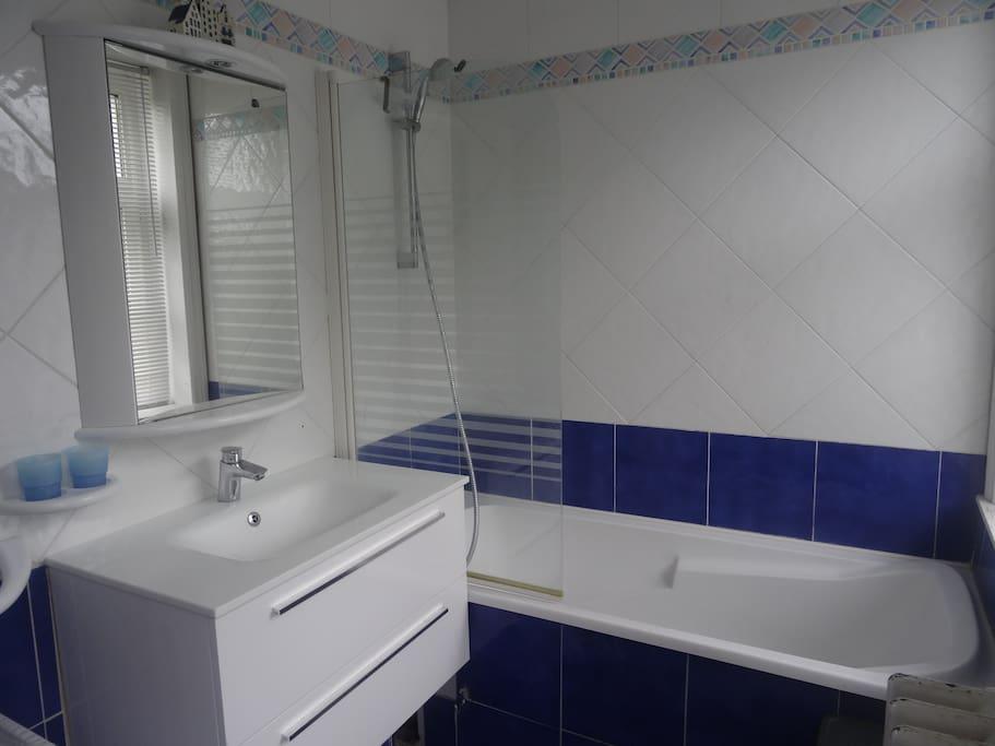 Bruno mars prox stade mauroy cadre exceptionnel case in for Salle de bain villeneuve d ascq