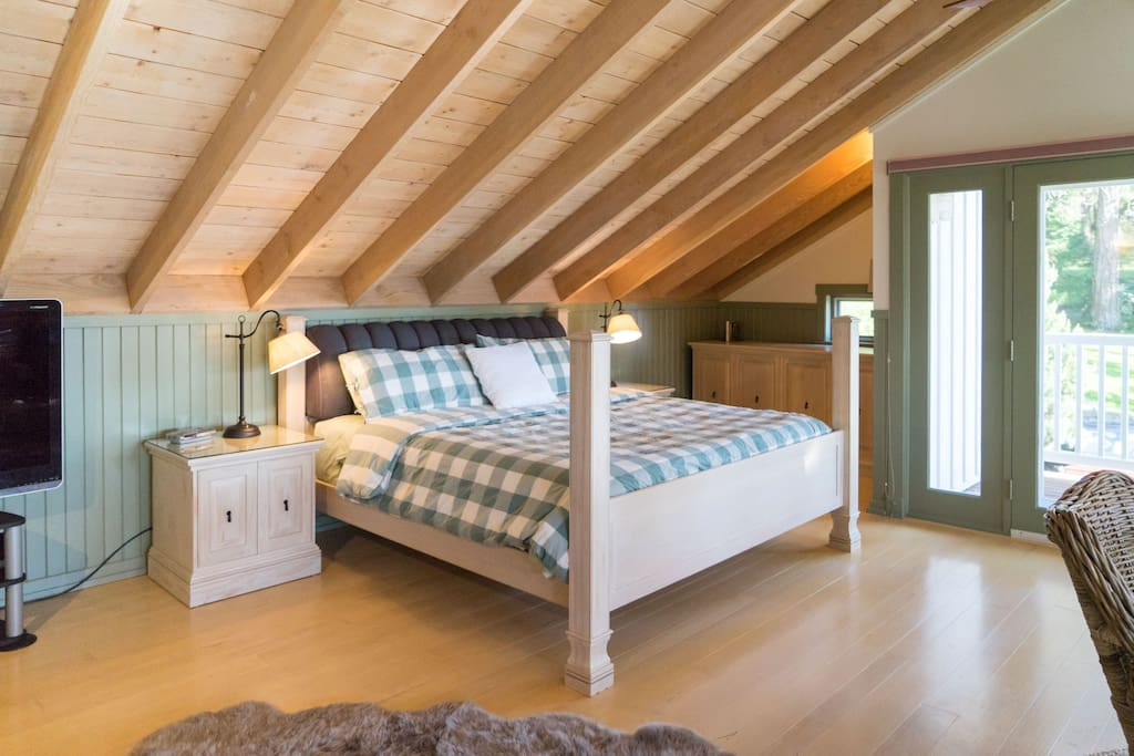 The Loft King Bed