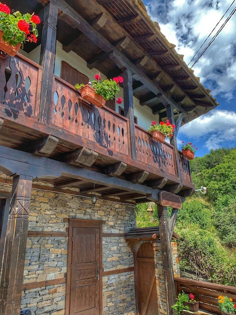 Amazing Villa With Breathing Rhodope Mountain View