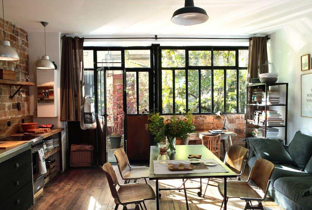 Loft paris avec terrasse et parking gratuit lofts for Loft et terrasse