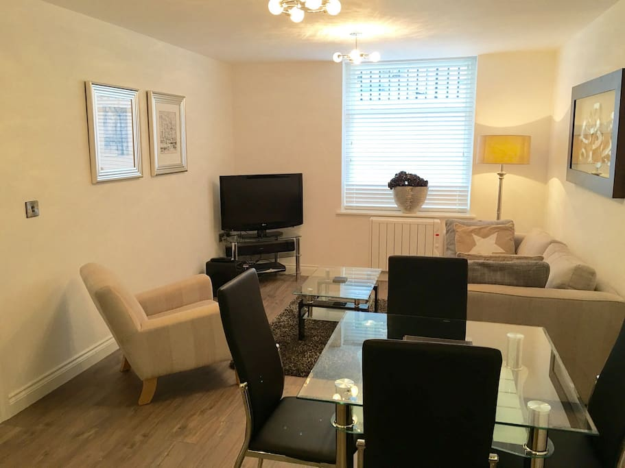 2 Bed 2 Bath Leamington Centre Flats For Rent In Royal Leamington Spa United Kingdom