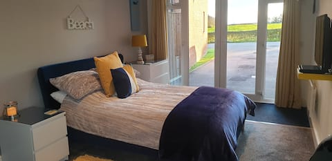 Modern Detached Self Contained Holiday Annexe