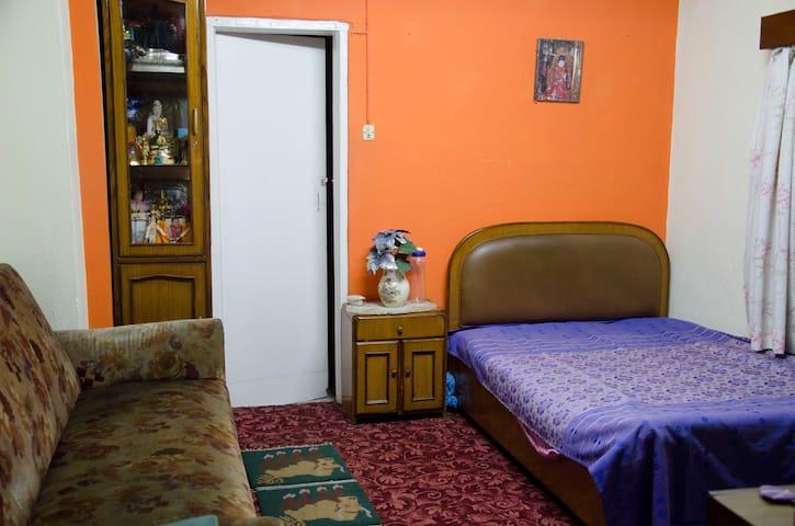 Cozy room in a family home in central Kathmandu - Kathmandu - Casa