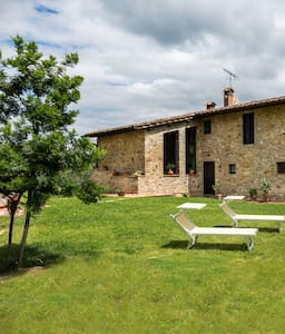 the stone house - Vasco - pistoia - Villa
