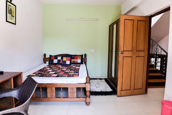 FAMILY ROOM - North Goa - Bungalow