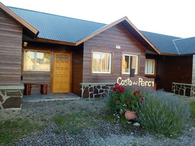 Cabañas Costa del Percy en Trevelin, PATAGONIA.