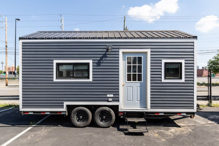 Clay - Stay in a TINY HOUSE Downtown Indy