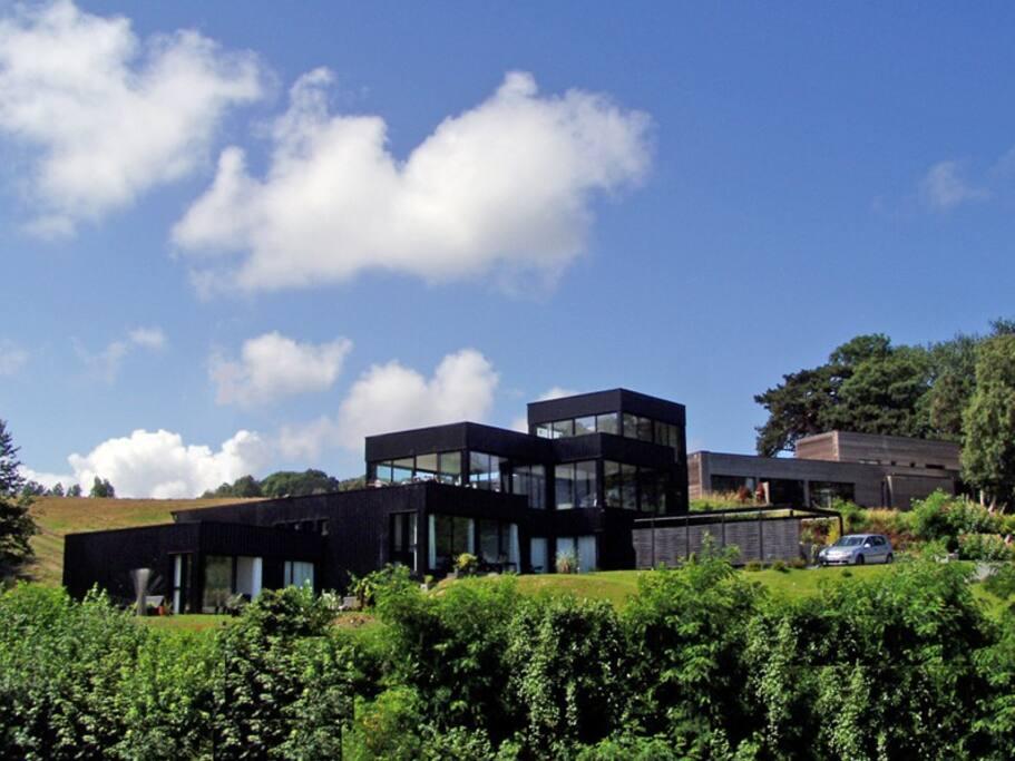 L'ensemble de la Villa Quartz. Le Lodge Rouge est situé à l'extrémité gauche.
