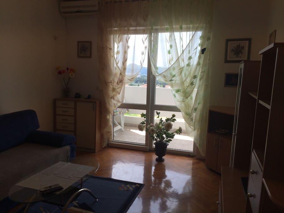 гостиная с большой террасой