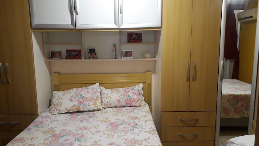 Apartamento Simples e Completo.
