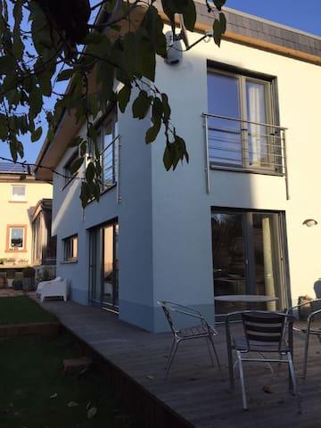 Wohnen im Garten - Aschaffenburg - Haus