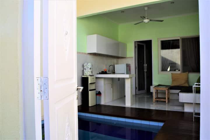 Perfect Long Stay @ 1BRVilla w/pool-5min to beach