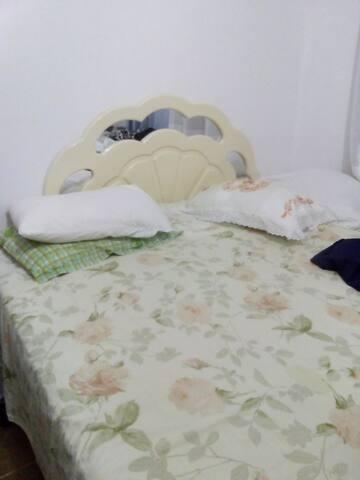 Quarto completo com Suite,cama king.