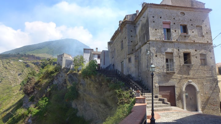 Two Bed Apartment, Hilltop Maiera, Calabria