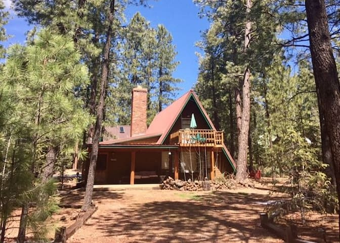 Family Friendly A-Frame Cabin located in Pinetop Country Club