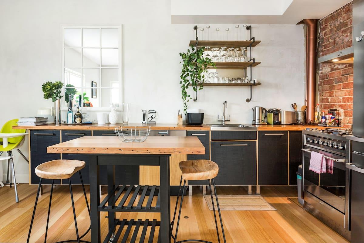 Renovated Retro Apartment near South Melbourne Market