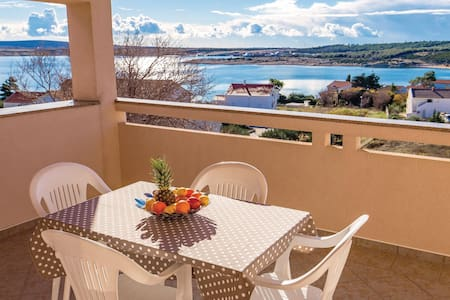 Holiday apartment with 2 bedrooms on 50m² in Caska