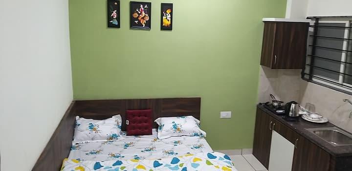 """FULLY Furnished Studio Room """" Smart Living"""