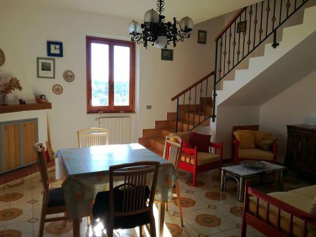 Casa indipendente a Vallemarina - Monte San Biagio - Haus