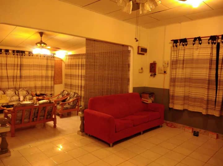 May West Homestay