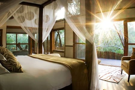 Luxury Bush Villa..Gameview in Bed! - Hluhluwe