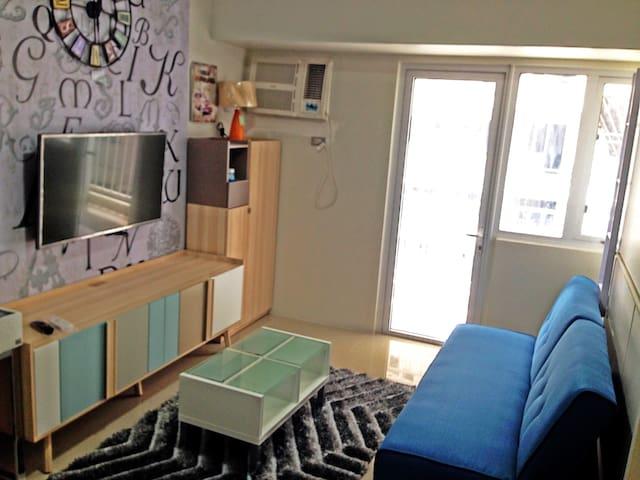 Cozy, brand new, fully furnished studio