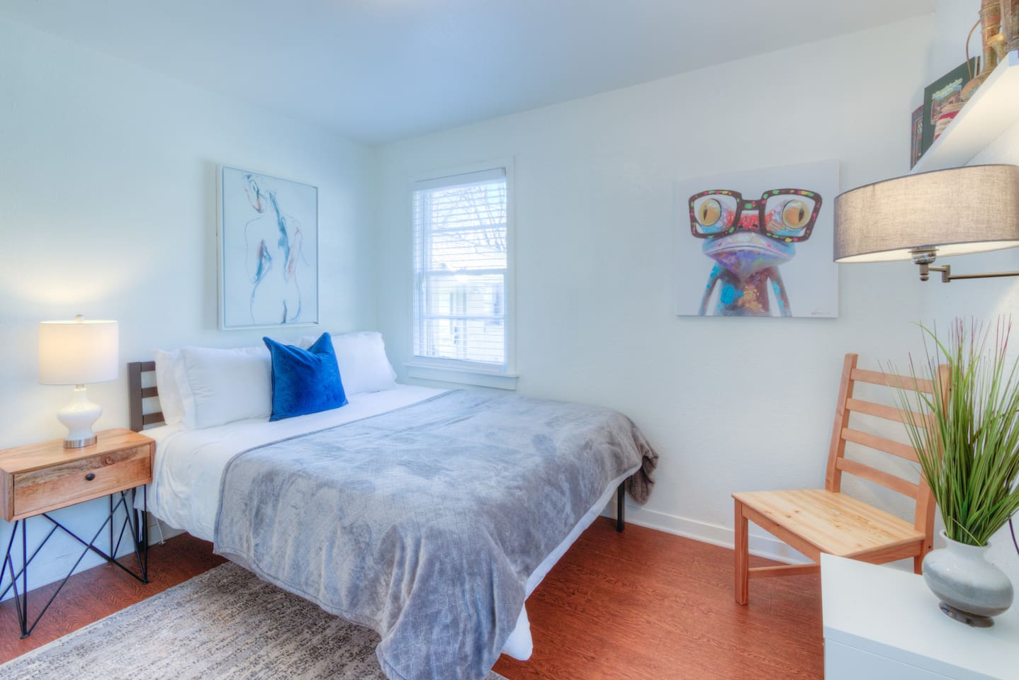 Tranquil comfy and clean bedroom with a brand new queen sized mattress