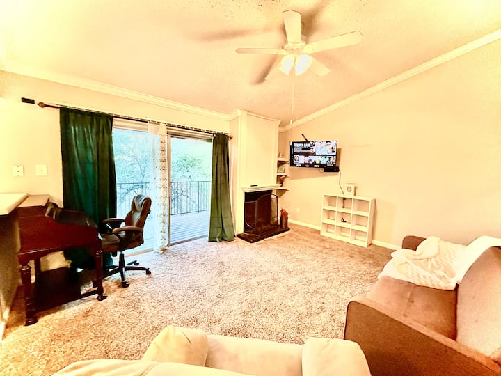 Cozy Retreat 5 Minutes From Downtown