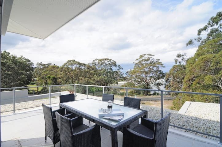 The Penthouse :-: Jervis Bay Rentals - Huskisson - Pis