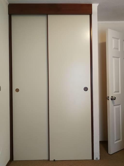 closet de dos puertas