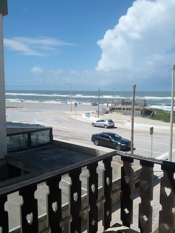 Appart très ensoleillé à 10 mètres de la plage . - Pedrogão - Apartamento
