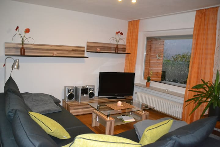 3-rooms holiday flat (URL HIDDEN) - Bad Urach - Appartement