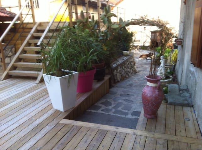 LAC DU BOURGET Loue RDC maison avec piscine - Chindrieux - Casa