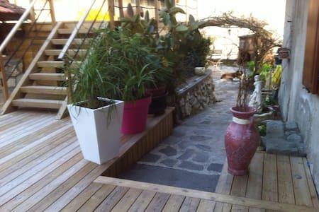 LAC DU BOURGET Loue RDC maison avec piscine - Chindrieux - House