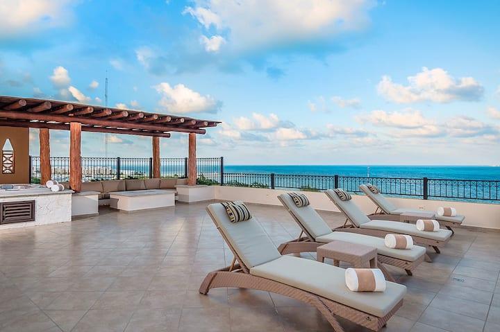 2BR Penthouse at Villa Del Palmar